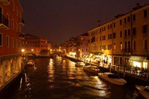 Venedig_bei_Nacht