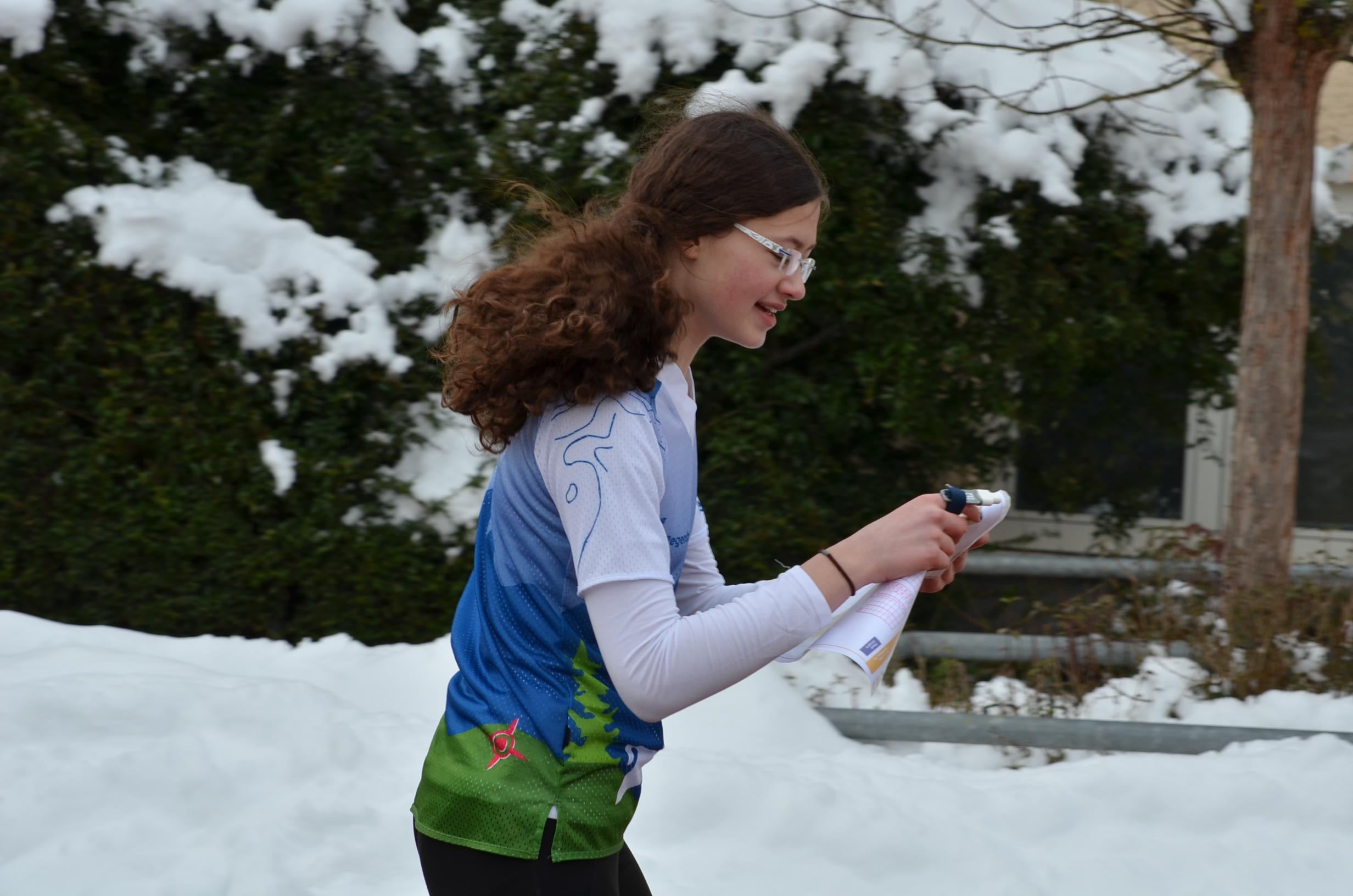 Leonie bei der Winterlaufserie