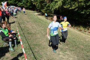 Im langen Zieleinlauf wurden die letzten Körner gegeben. Mareike noch vor Jena auf Platz 6
