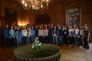 Vom Foto OL und O 400 ins Regensburger Alte Rathaus: Pilsner und Regensburger OLer im Kurfürstenzimmer